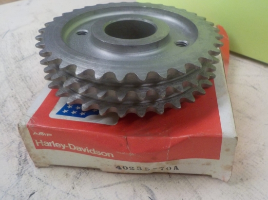 "SPORTSTER ""NEW OLD STOCK IN BOX"" ENGINE SPROCKET #40235-70A"
