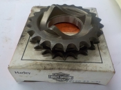 "SHOVELHEAD ""NEW OLD STOCK IN BOX"" 22 TOOTH SPROCKET #40280-83"