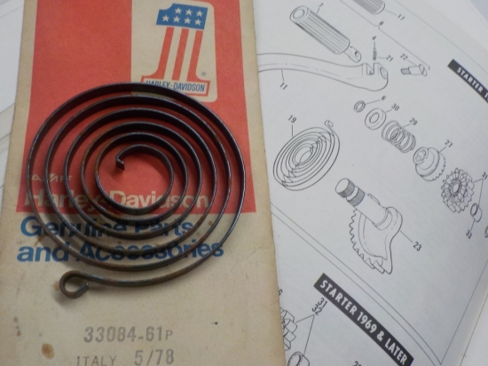"AERMACCHI SPRINT ""NEW OLD STOCK IN PKG"" 1961-70 KICK START SPRING #33084-61P"